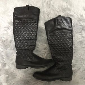 Betseyville Black heart quilted boots